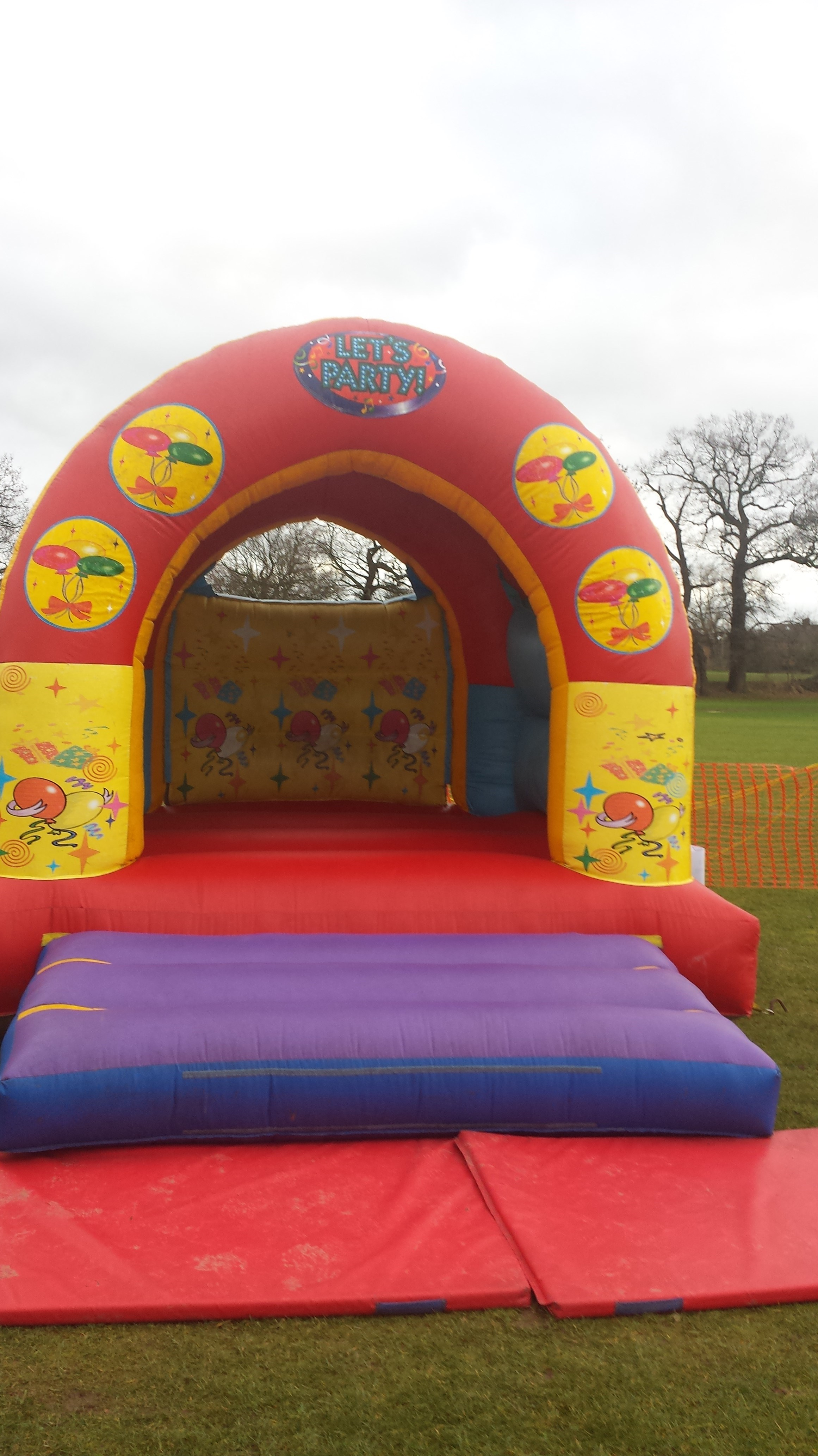 Bouncy Castle lets party themed