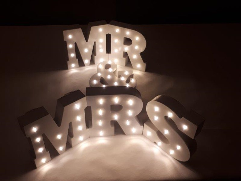 LED Table Top Mr & Mrs - LED Decorations