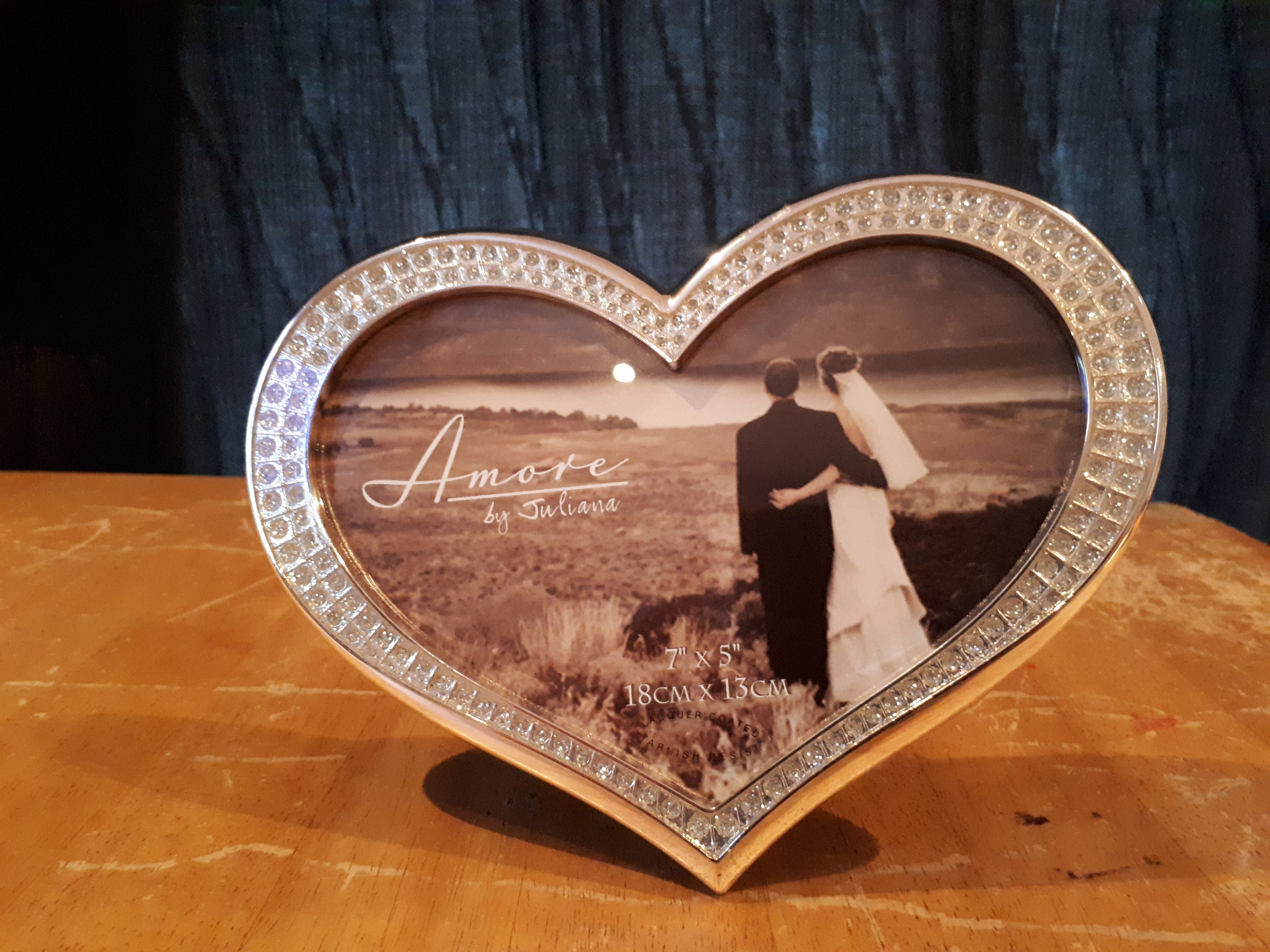 Heart picture frame 1.jpg