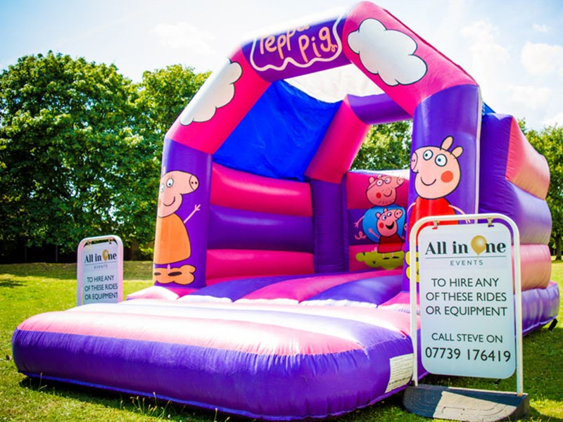 Peppa Pig - Bouncy Castles